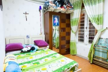Nhà phố Lê Văn Lương xây dựng kiên cố, nội thất cao cấp 1