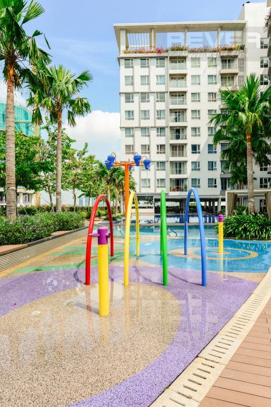 Sân chơi trẻ em ngoài trời có vòi sen Căn hộ A1 Sarimi hai phòng ngủ, nhìn về trung tâm thành phố