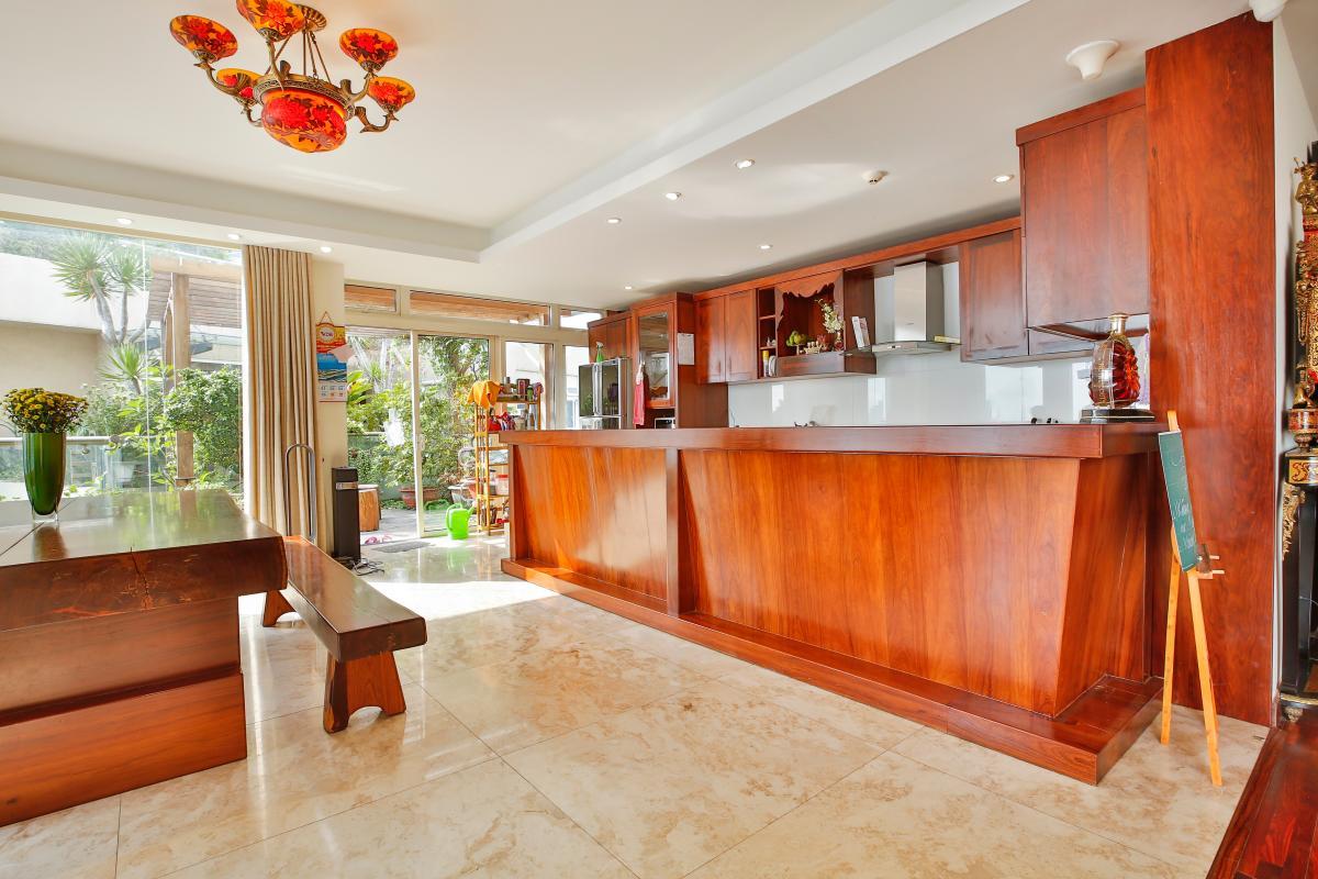 Khu vực quầy bar Penthouse hướng Nam Sapphire 1 Sài Gòn Pearl