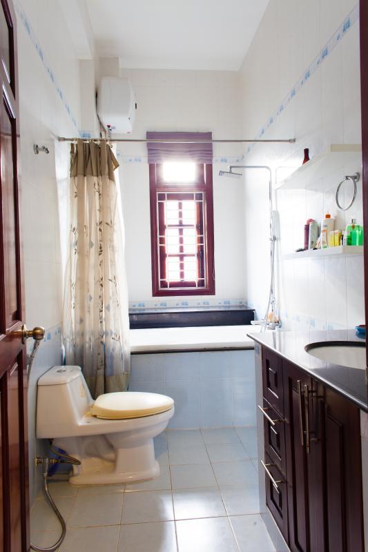 Phòng tắm Villa 3 tầng đường Số 20 Linh Đông Thủ Đức