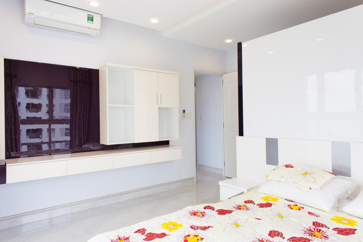 Tủ kệ để TV trong phòng ngủ chính Căn hộ tầng cao tháp H Happy Valley