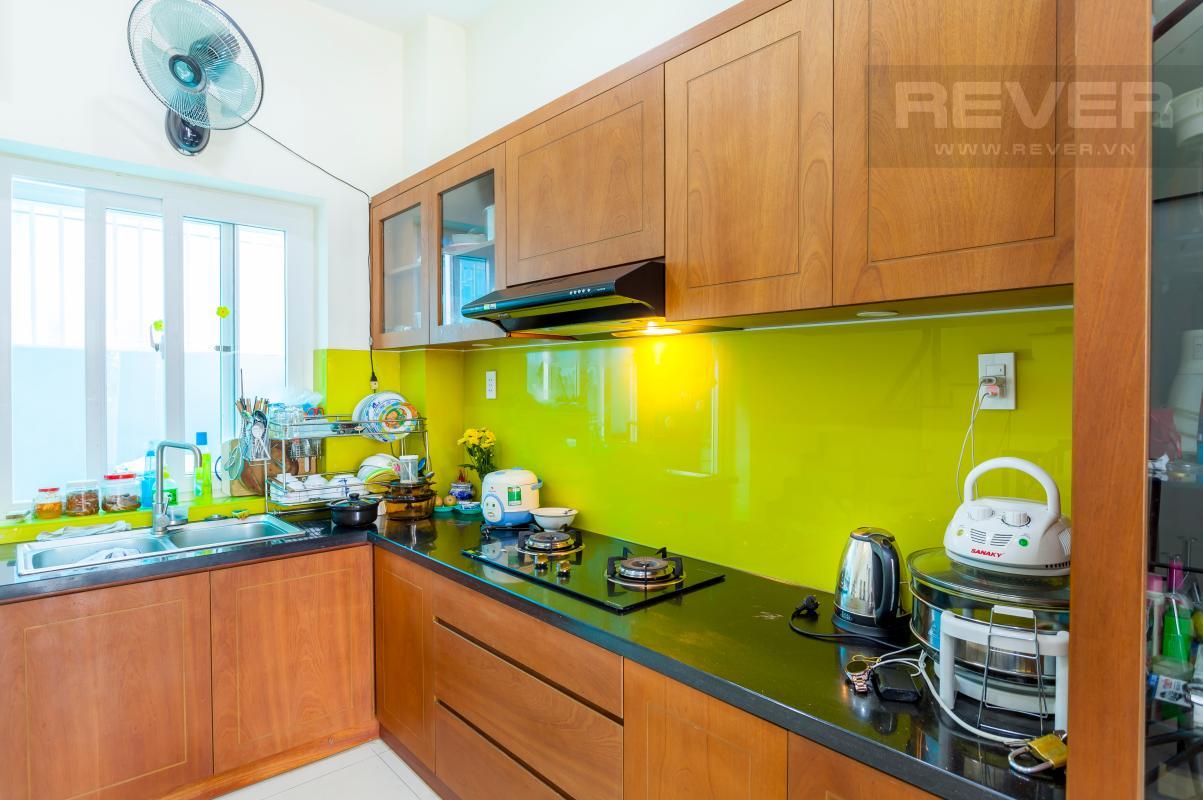 Tủ kệ bếp truyền thống Nhà 3 tầng hướng Đông Bắc khu dân cư Mega Village Khang Điền