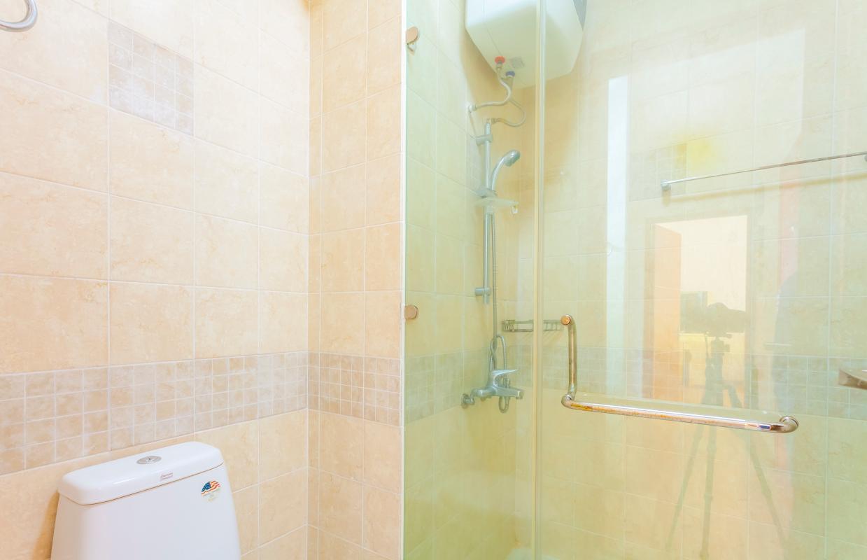 Phòng tắm nhỏ Căn góc tháp B V-Star Tấn Trường
