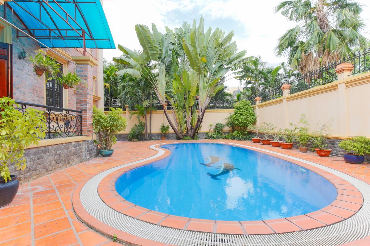 Hồ bơi lớn Villa 2 tầng Trần Ngọc Diện Thảo Điền