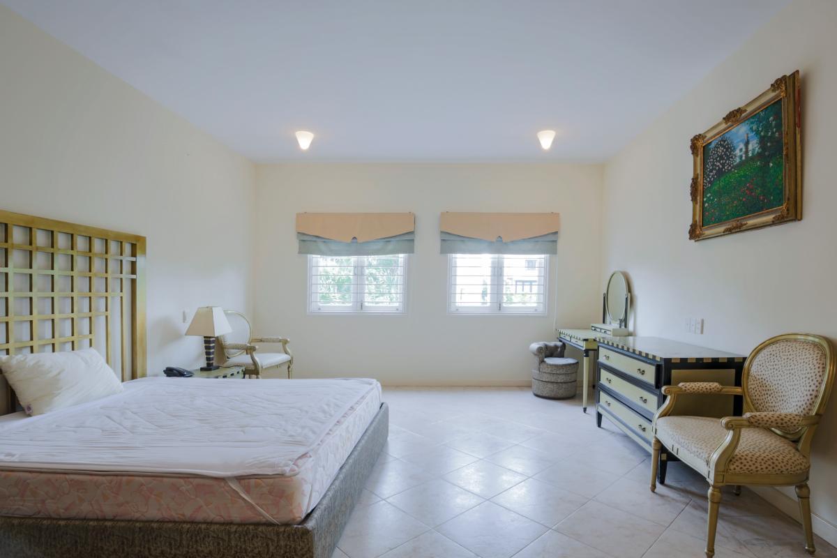 Phòng ngủ 2 Villa sân vườn có hồ bơi Nguyễn Văn Hưởng