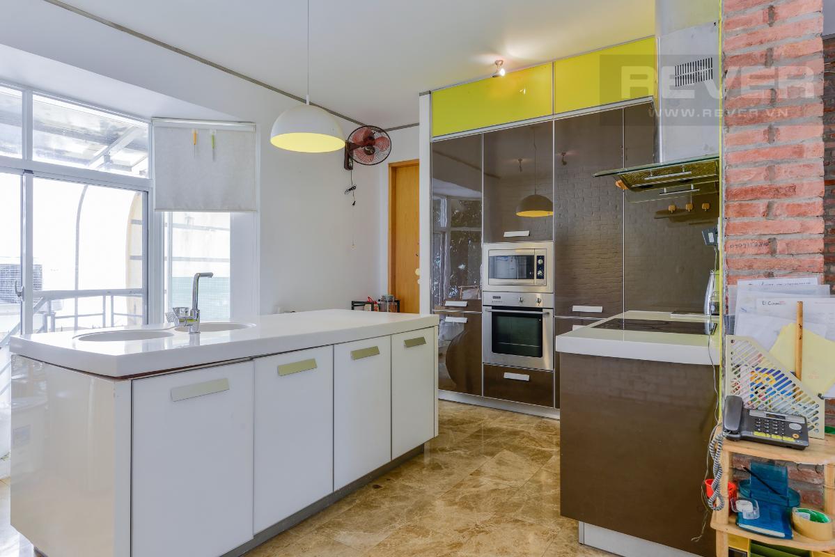 Phòng bếp cao cấp với những trang thiết bị hiện đại Villa 2 tầng có sân vườn hướng Đông Bắc Hưng Thái 2