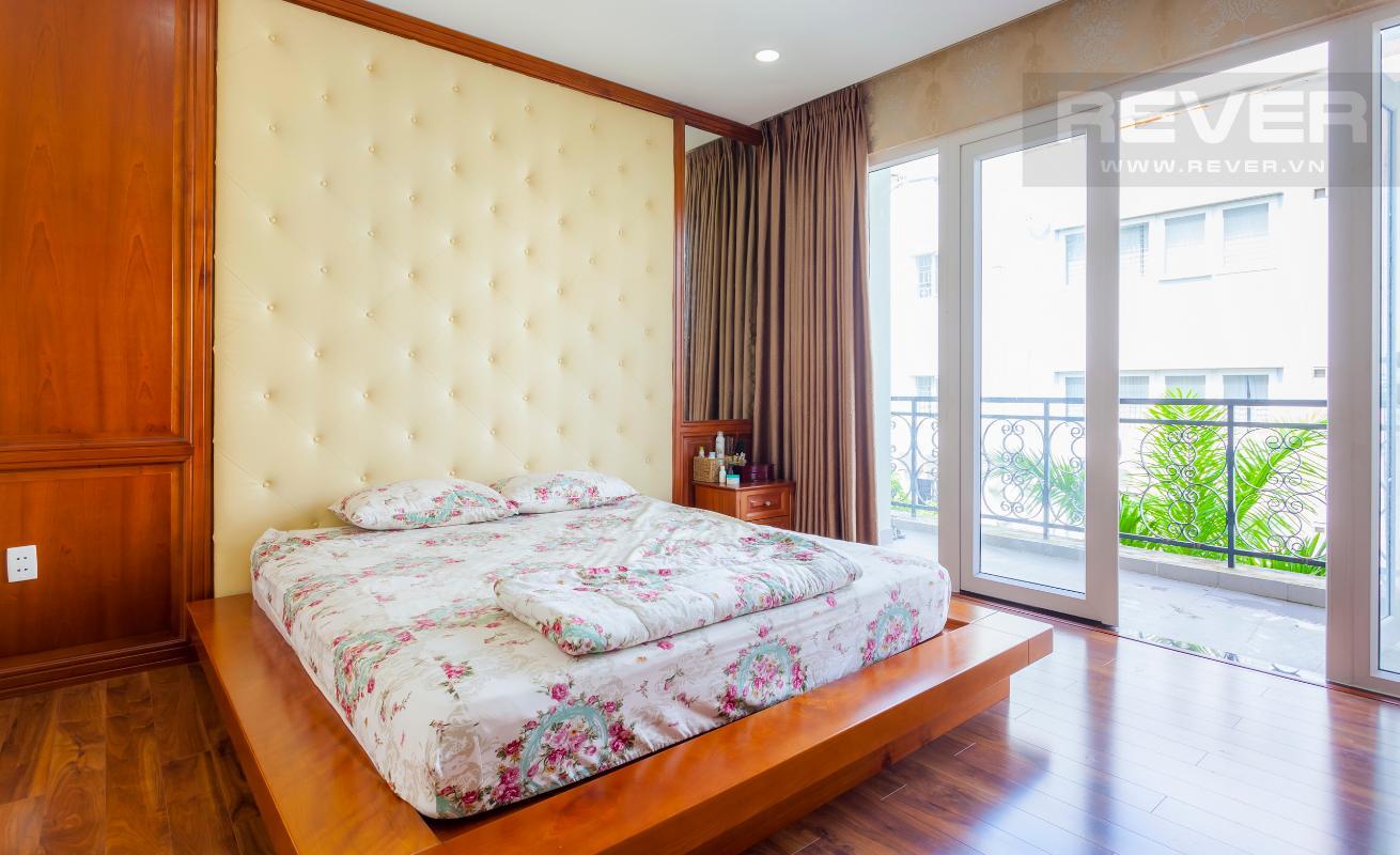 Phòng ngủ có ban công Villa 3 tầng Đường Số 14 Hoàng Quốc Việt