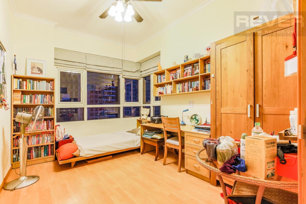 Phòng ngủ tiện nghi Căn góc tầng cao Topaz 1 Saigon Pearl