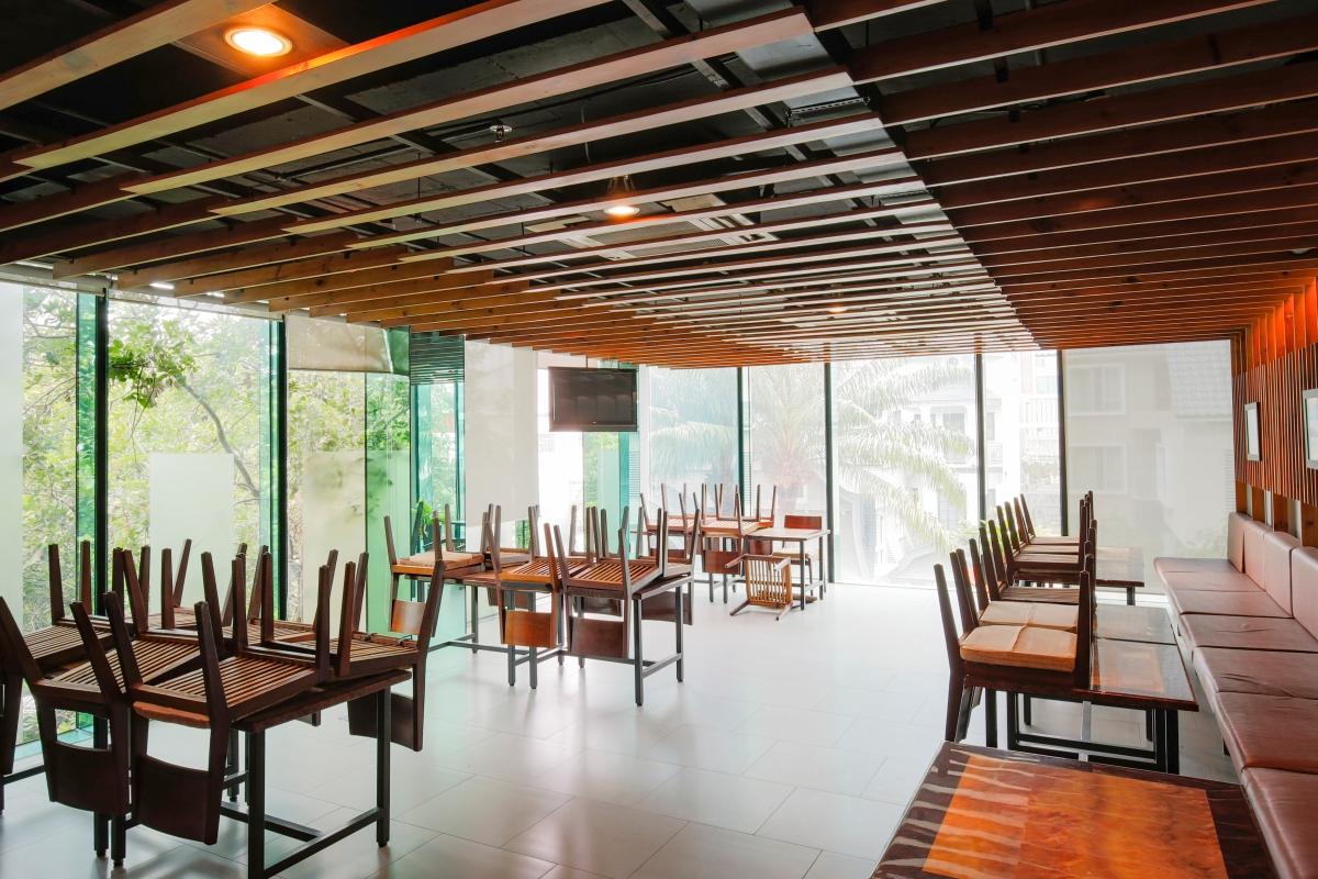 Khu nhà ăn tập trung Nhà 5 tầng mặt tiền Lê Ngô Cát