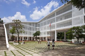 Điểm qua những trường đại học có kiến trúc đẹp nhất tại TP.HCM