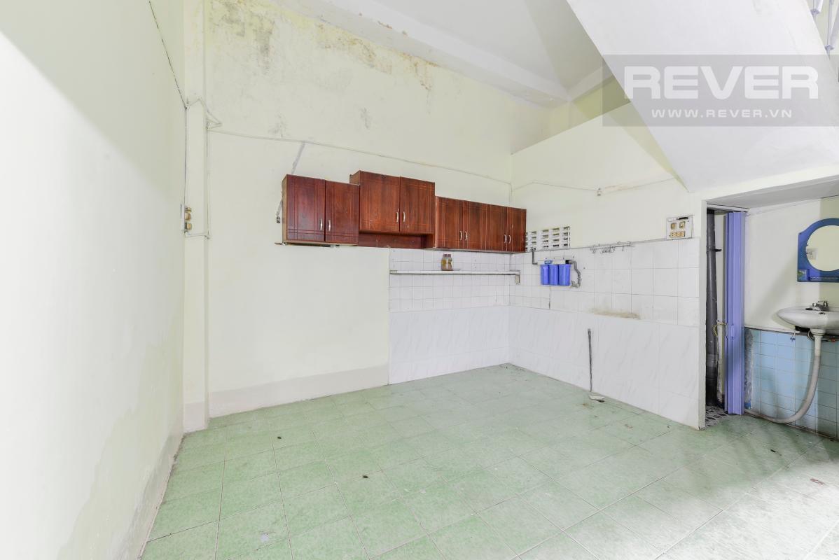 Phòng bếp Nhà 4 tầng hẻm rộng rãi đường Pasteur quận 1