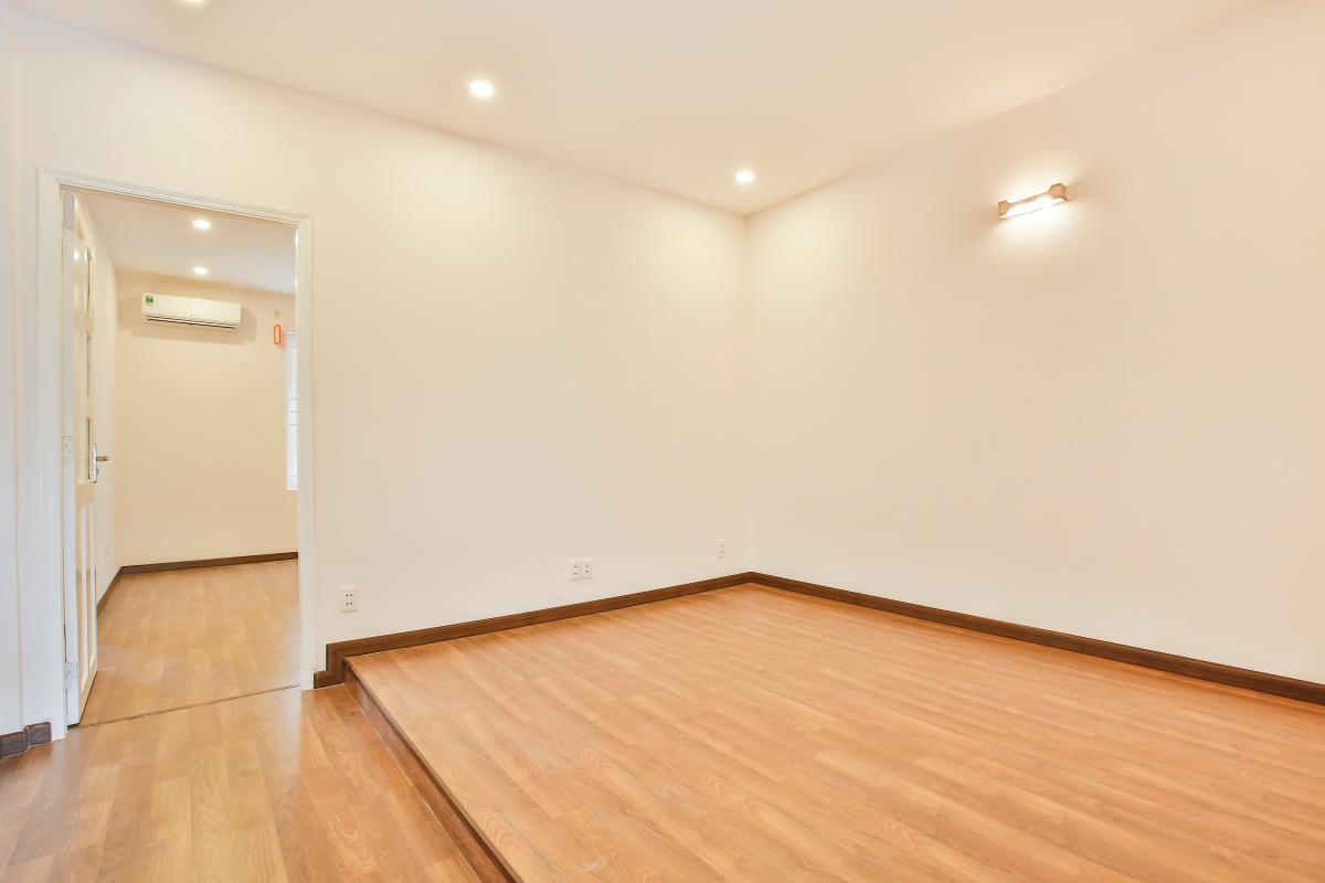Phòng ngủ hai thiết kế nâng sàn Villa 3 tầng Lương Định Của Thủ Thiêm