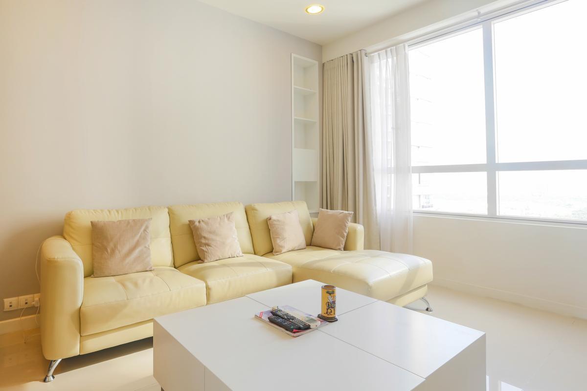 Sofa góc phòng khách Căn góc Sunrise City tầng cao tháp V4 hướng Tây Nam, 3 phòng ngủ