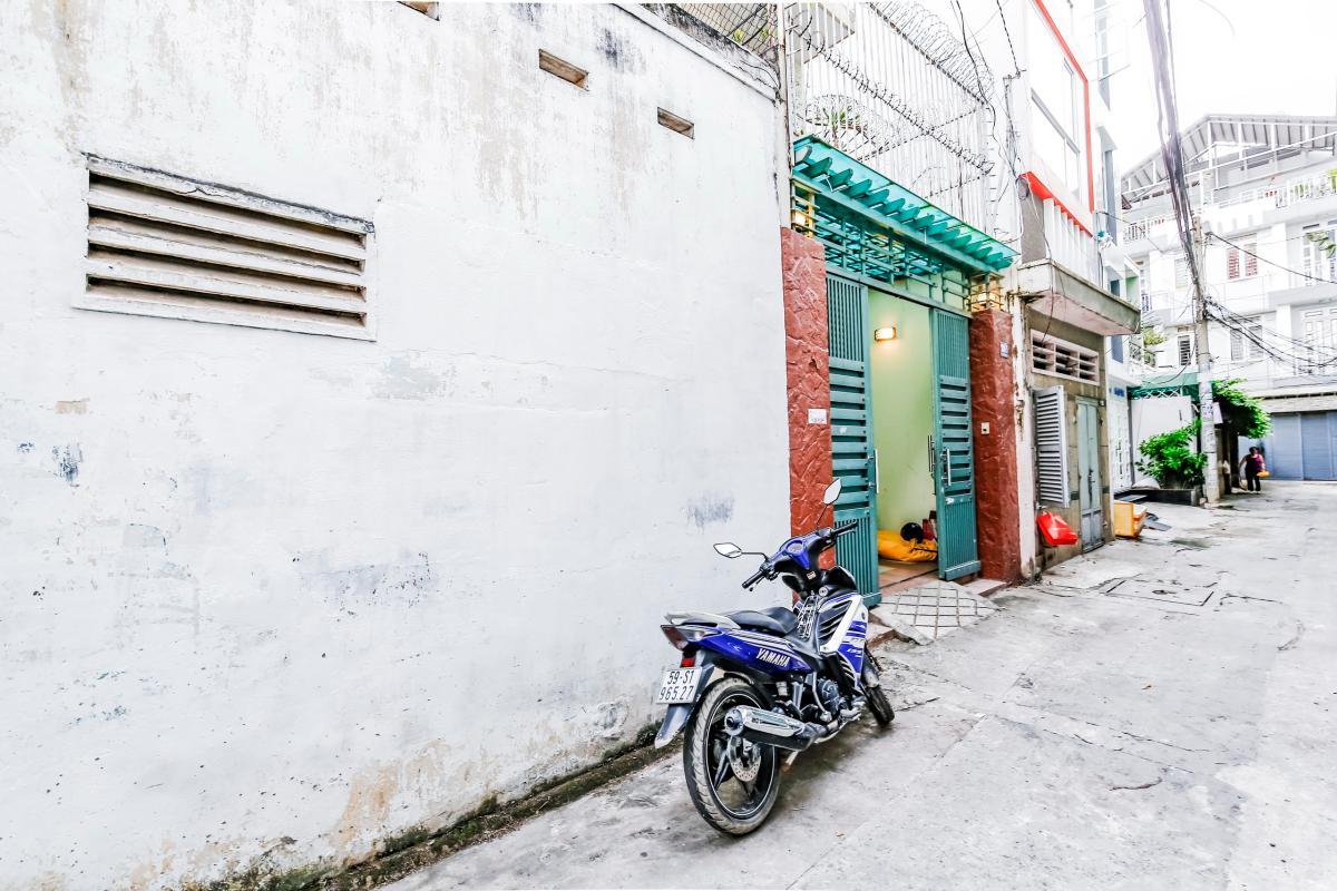 Mặt tiền nhà Nhà 4 tầng hẻm Nguyễn Thị Huỳnh Phú Nhuận