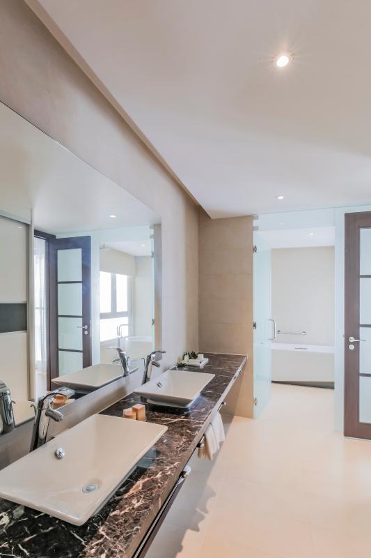 Phòng tắm chính Căn duplex trung tầng Tower 3 Brilliant Đảo Kim Cương