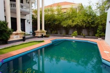 Villa sân vườn Xuân Thuỷ Thảo Điền