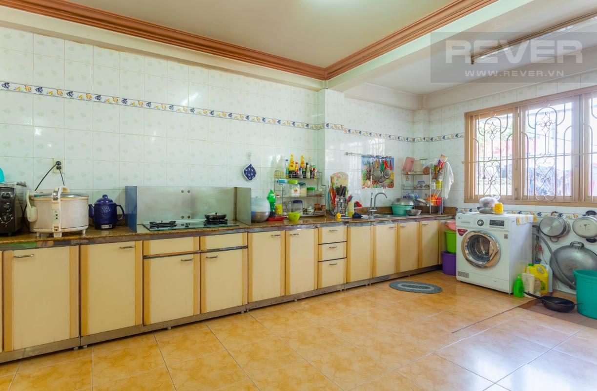 Phòng bếp ở trên lầu Nhà 3 tầng hẻm lớn Quốc lộ 13 Bình Thạnh