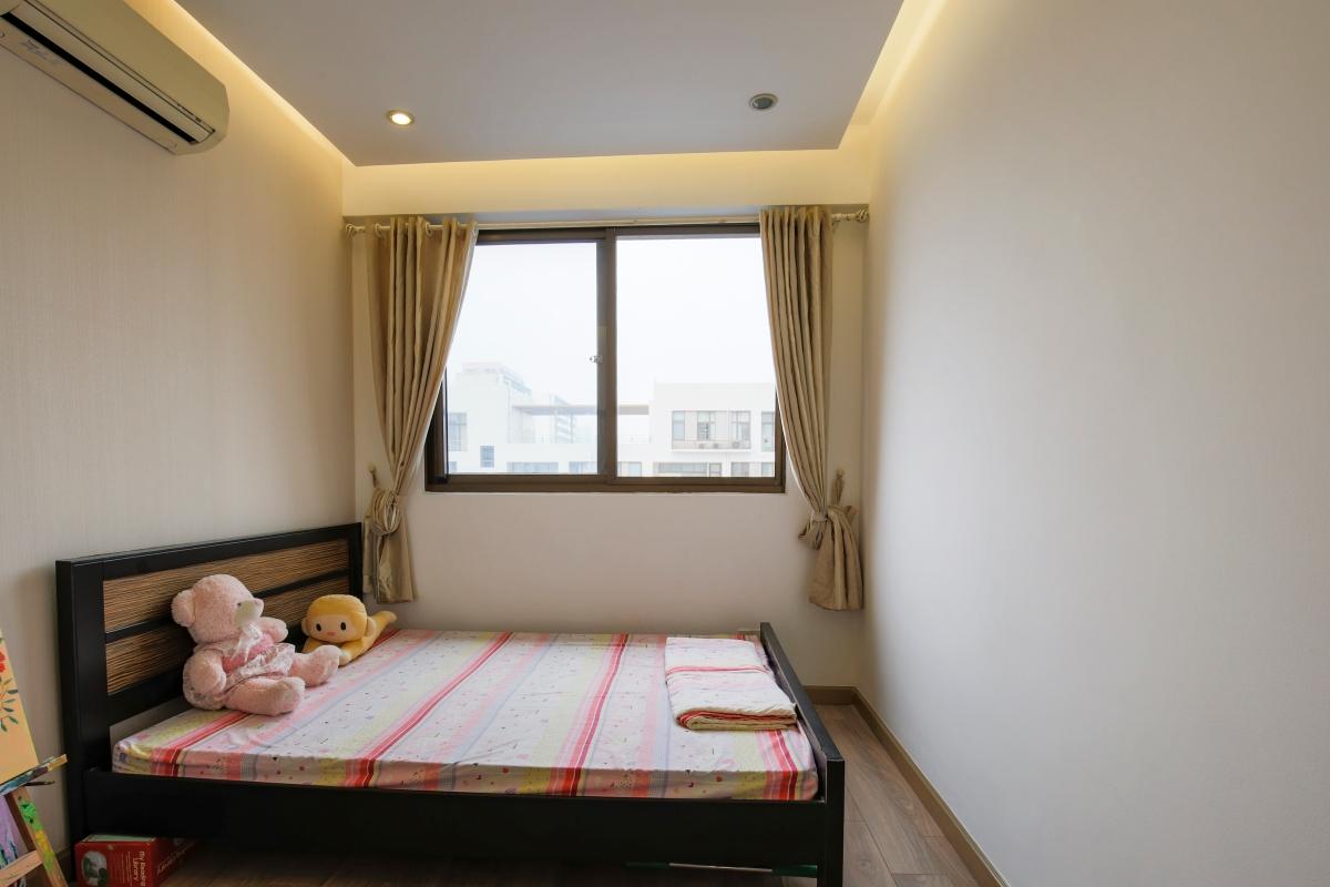 Phòng ngủ nhỏ view nội khu Căn góc tầng cao tháp B The Panorama