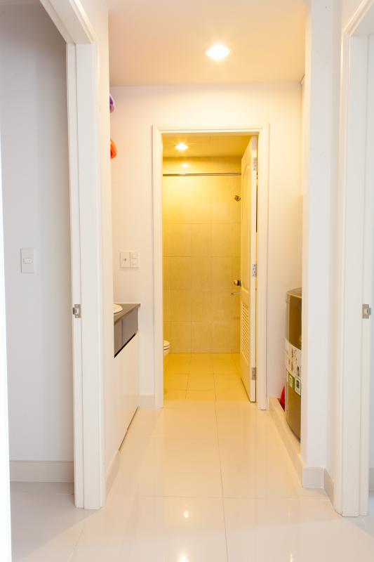 Hành lang đi vào phòng ngủ và phòng tắm Căn hộ tầng cao tháp C The ParcSpring