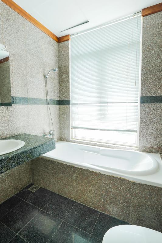 Bồn tắm Penthouse 4 phòng ngủ D1 The New Saigon