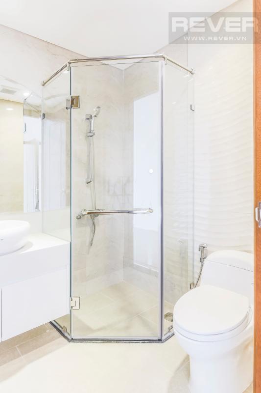 Phòng tắm 2 Căn hộ hướng Nam tầng cao C3 Vinhomes Central Park
