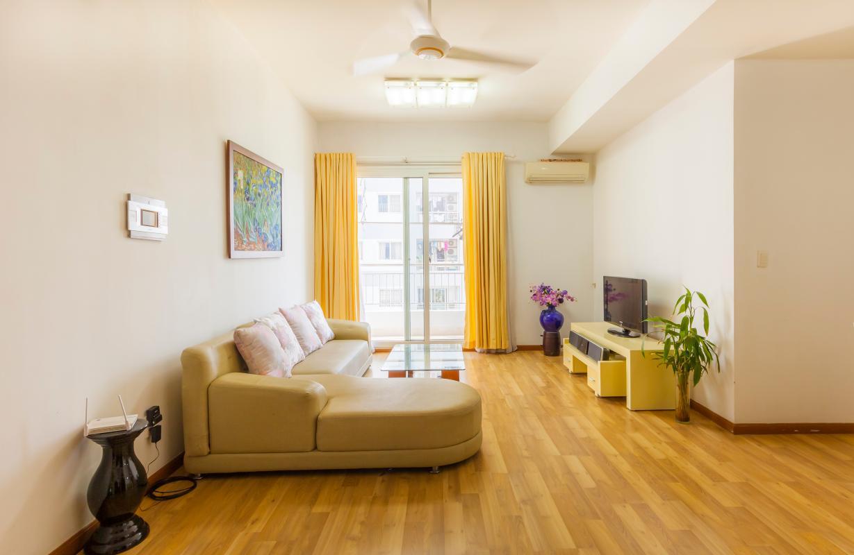 Phòng khách view nội khu thoáng đãng Căn góc tháp B V-Star Tấn Trường