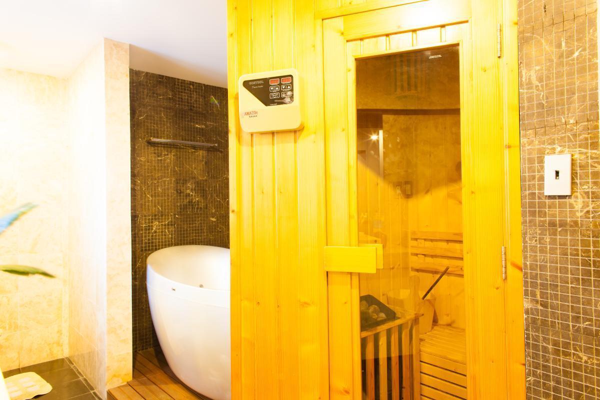 Phòng tắm hơi Penthouse hướng Bắc AE Mỹ Khánh 2