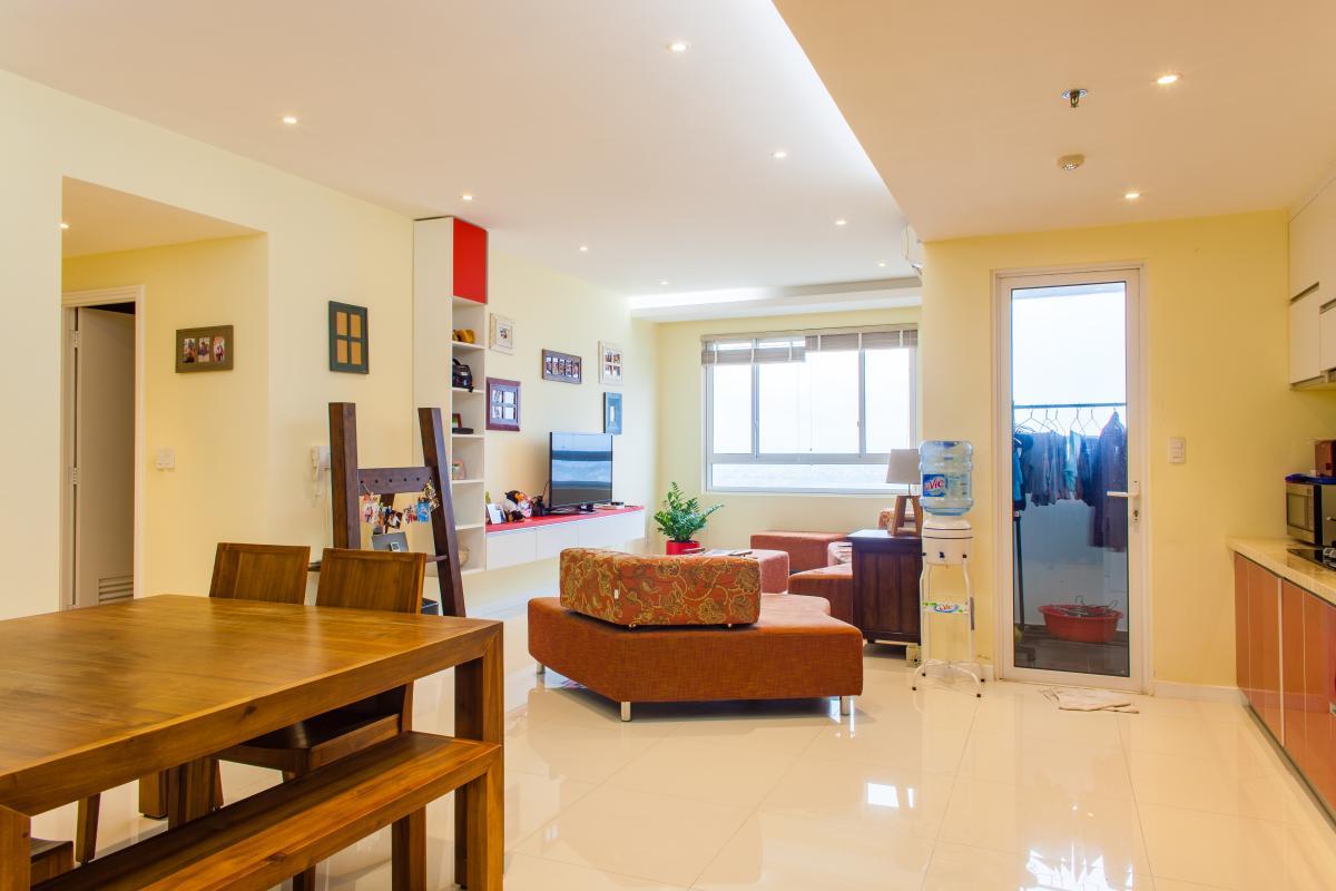 Phòng khách hướng nhìn từ phòng bếp Căn hộ tầng cao tháp TC1 Tropic Garden