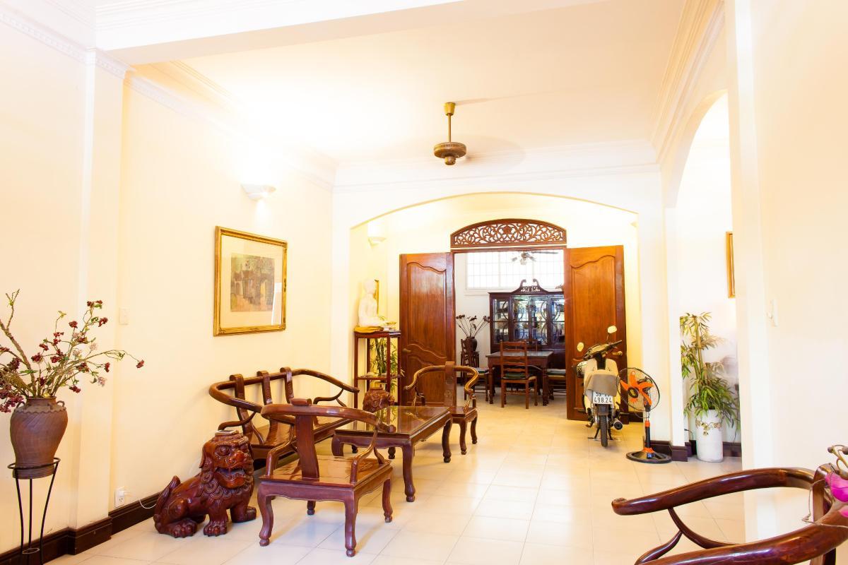 Nhà 3 tầng mặt tiền Trần Hữu Trang Phú Nhuận