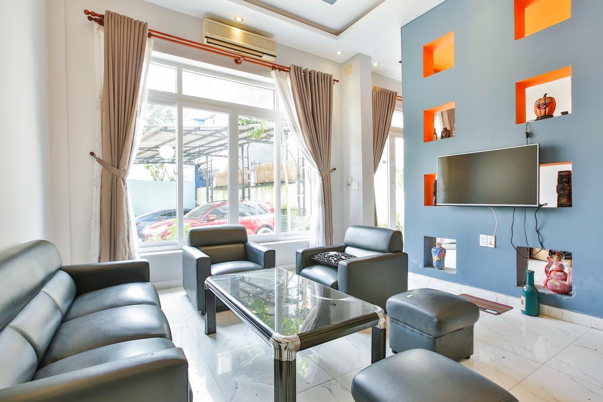 Nội thất phòng khách Nhà 4 tầng Tống Hữu Định Thảo Điền