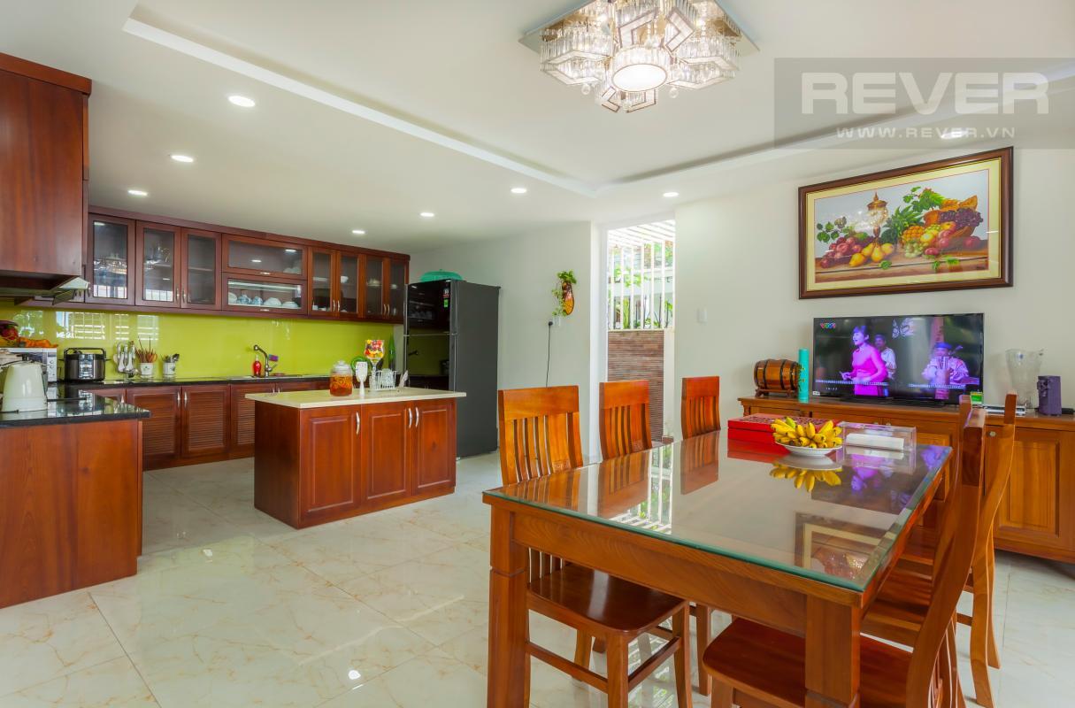 Không gian bếp Villa 3 tầng Đường Số 14 Hoàng Quốc Việt