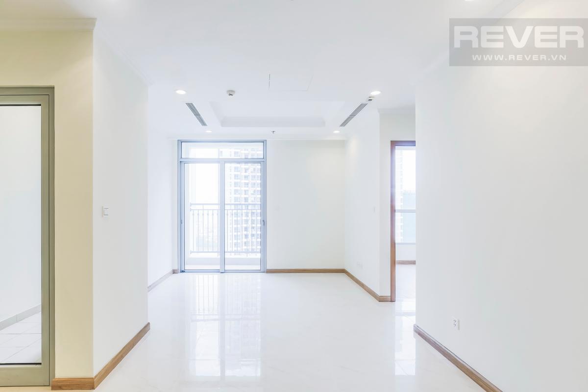 Phòng khách có ban công view hướng Nam Căn hộ tầng cao C3 Vinhomes Central Park