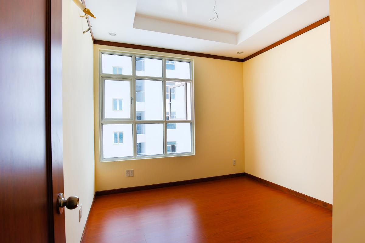 Phòng ngủ 2 view nội khu Căn hộ tầng cao A Hoàng Anh Thanh Bình