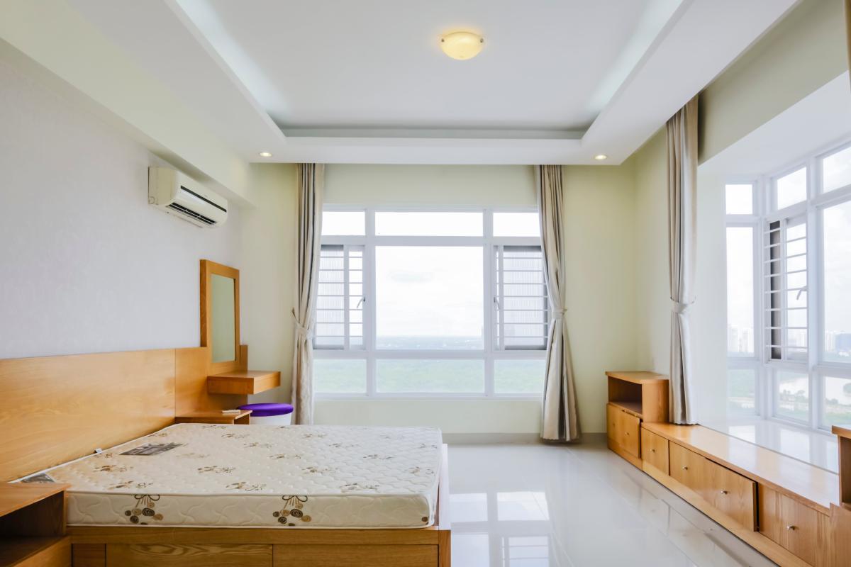 Phòng ngủ chính vị trí góc Căn góc tầng cao tháp B Riverside Residence