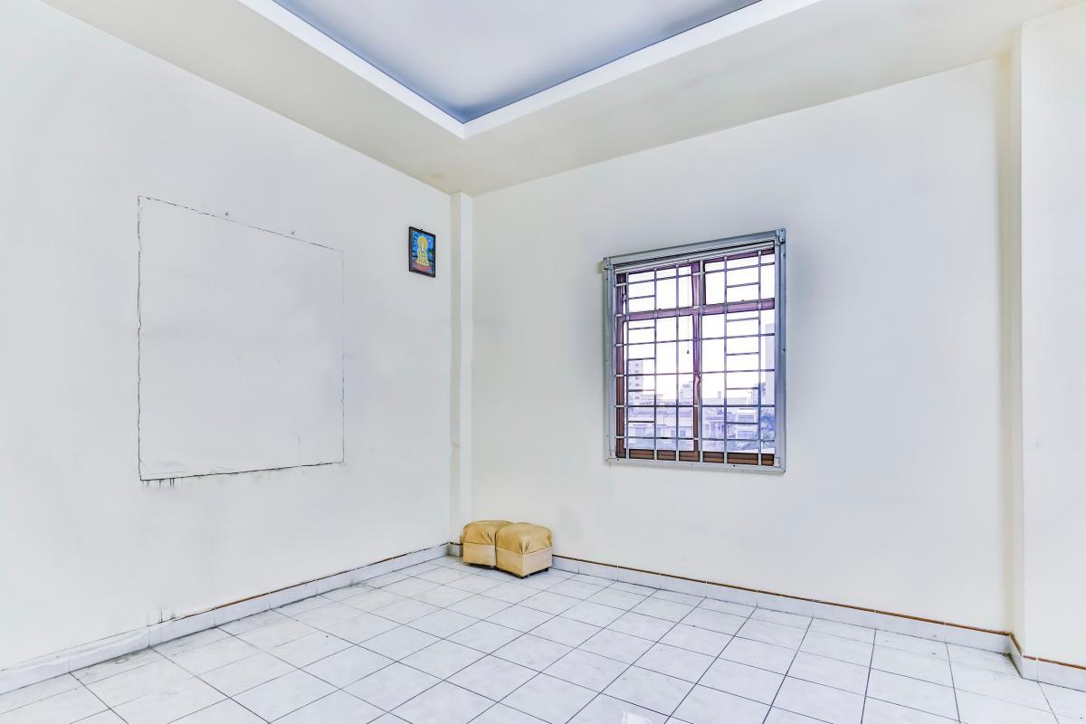 Phòng ngủ ở phần sau tầng 2 Nhà 4 tầng hẻm Nguyễn Thị Huỳnh Phú Nhuận