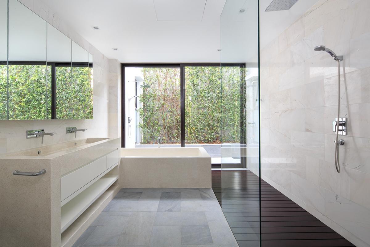 Phòng tắm tầng trệt Villa Lily Thảo Điền Compound