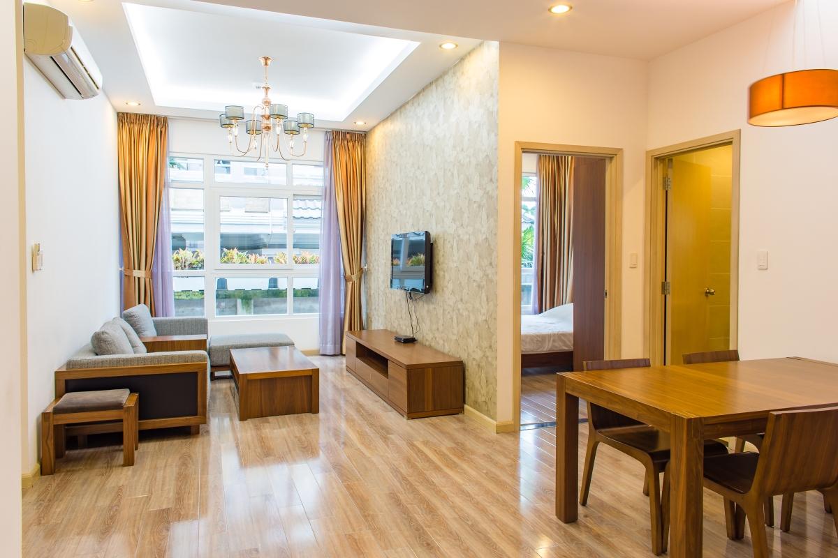 Phòng khách căn hộ hướng Bắc SEM Residence nhìn từ cửa. Căn hộ hướng Bắc SEM Residence