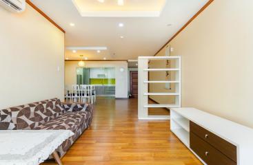 Căn hộ tầng cao A2 Hoàng Anh Giai Việt