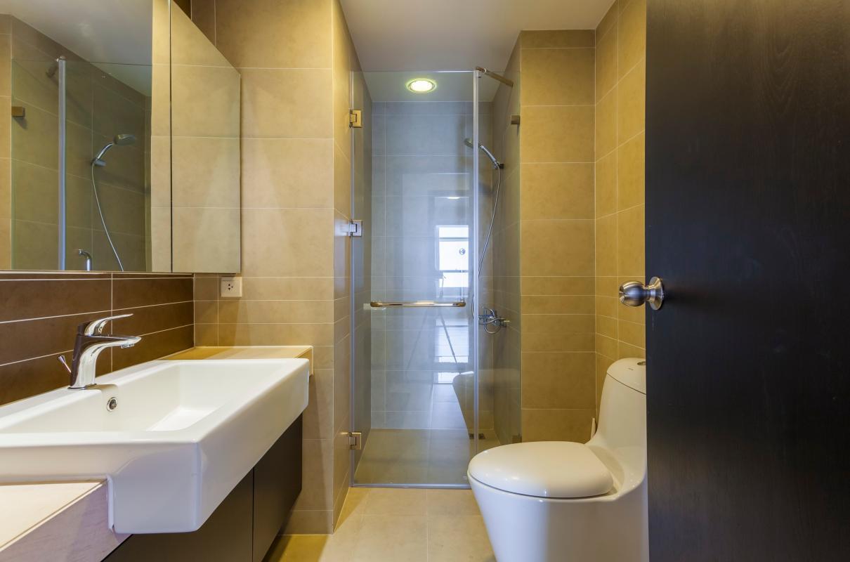 Phòng tắm 2 Căn góc trung tầng V1 Sunrise City