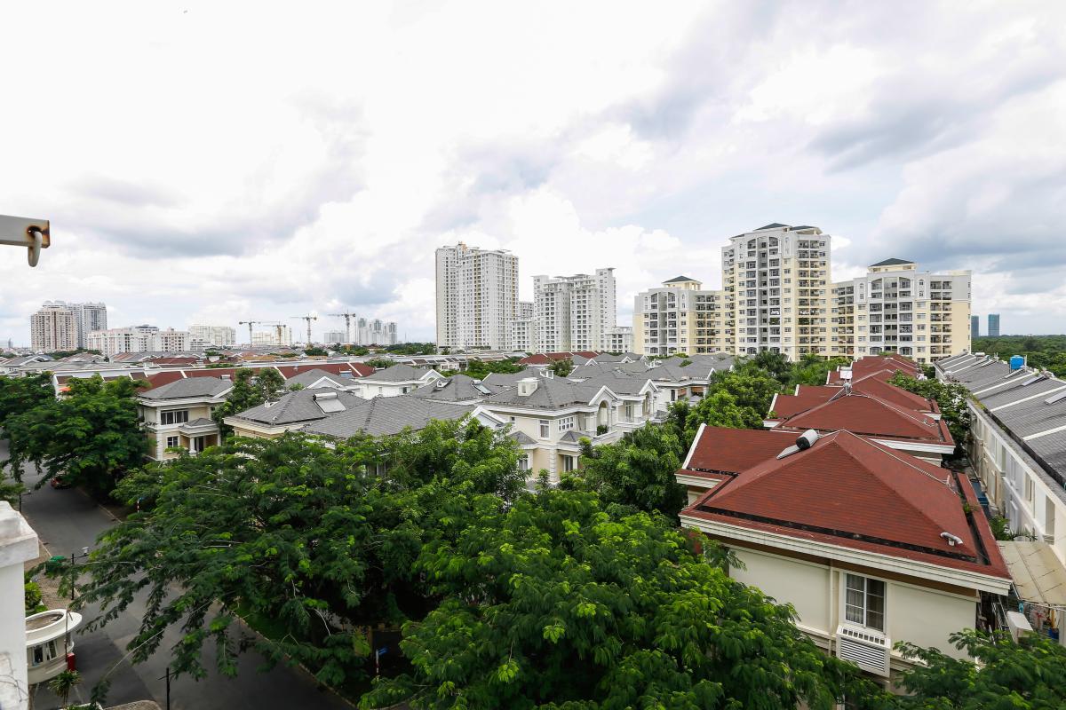 View ngoại khu nhìn từ căn hộ Căn góc trung tầng tháp BC Cảnh Viên 2