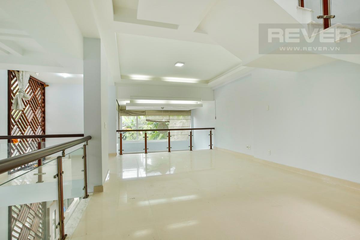 Tầng lửng Nhà 4 tầng Nguyễn Văn Hưởng