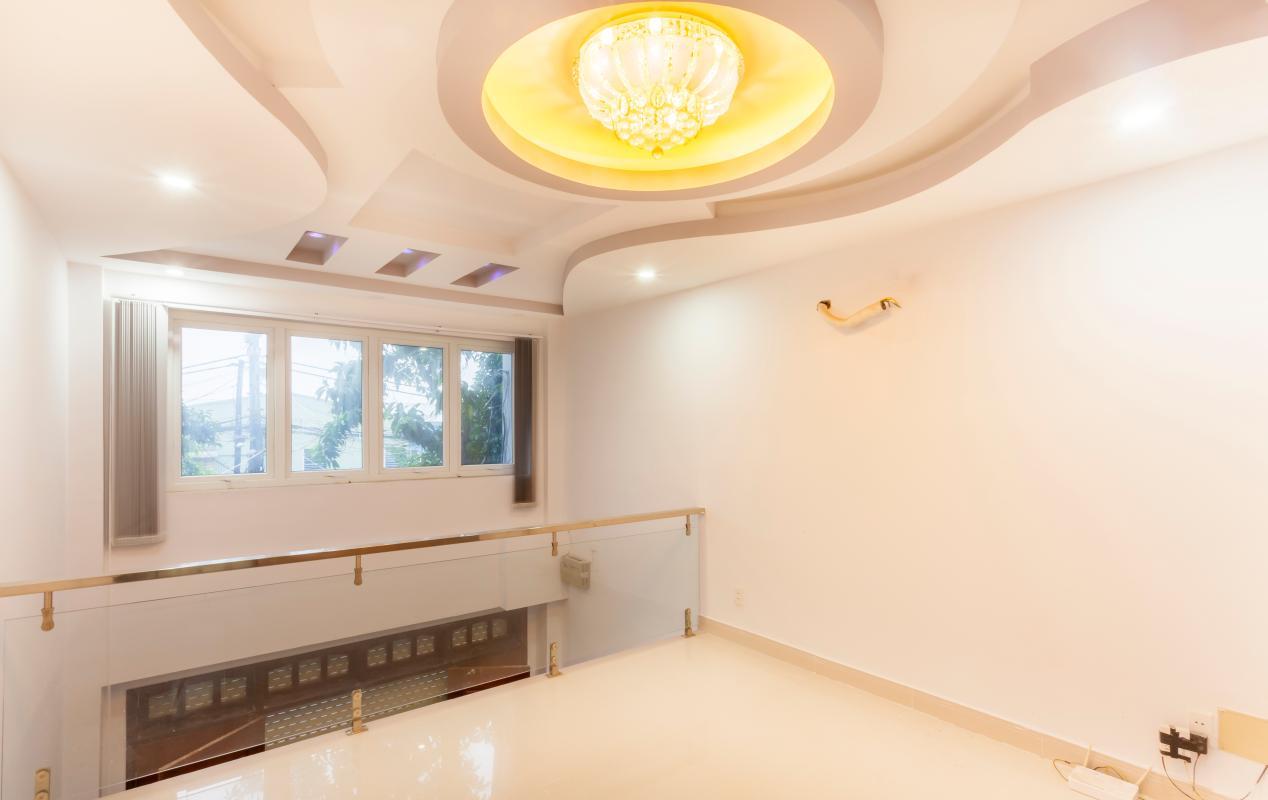 Phòng khách tầng lửng Nhà 5 tầng hướng Tây mặt tiền  Trần Văn Dư Tân Bình