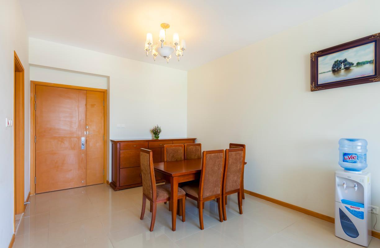 Bộ bàn ăn 6 ghế được sang trọng Căn hộ tầng cao Ruby 2 Sài Gòn Pearl