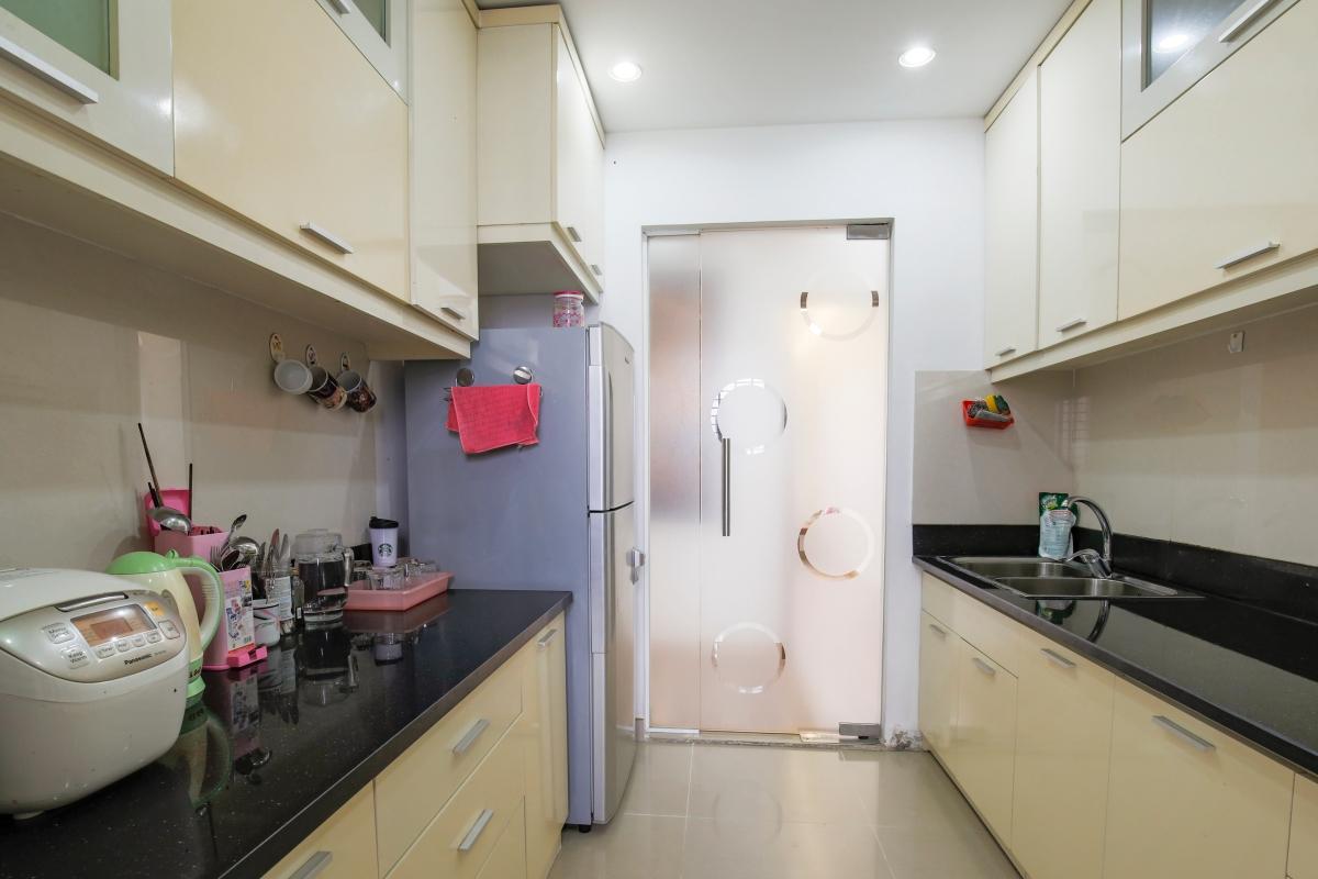 Phòng bếp thông thoáng Căn góc tầng cao tháp B The Panorama
