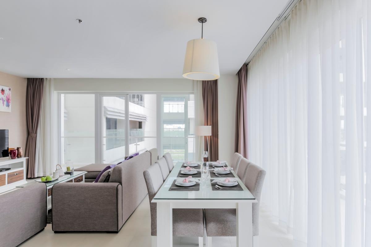 Phòng ăn view nội khu và sông Căn duplex trung tầng Tower 3 Brilliant Đảo Kim Cương