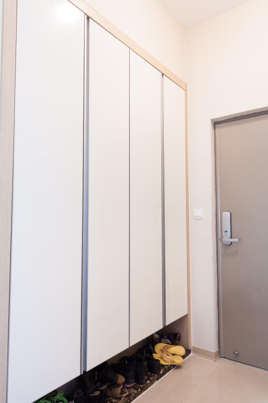 Kệ tủ gần cửa chính Căn hộ tầng cao A3 Imperia An Phú