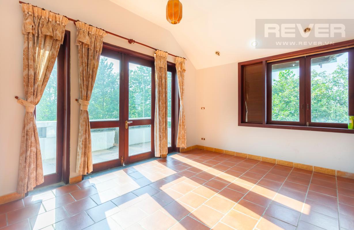 Phòng khách trên lầu Villa sân vườn hướng Tây Đại học Bách Khoa