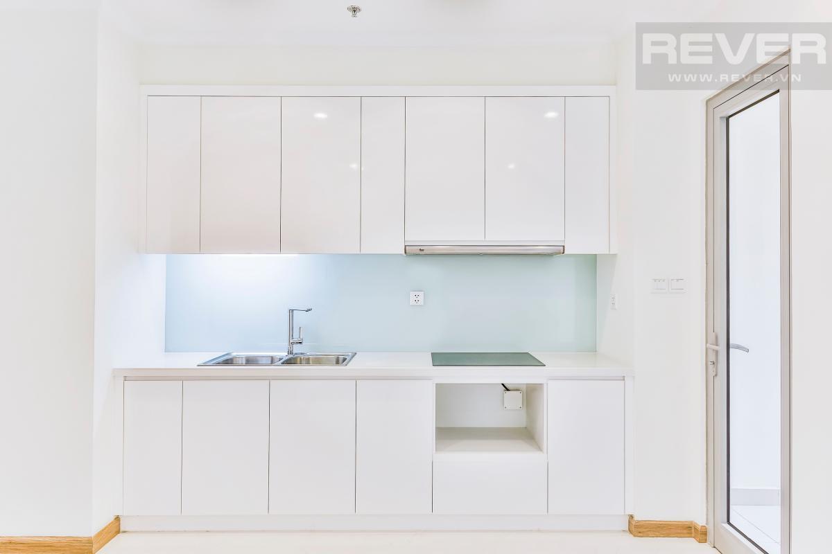 Phòng bếp với nội thất đầy đủ Căn hộ hướng Nam tầng cao C3 Vinhomes Central Park