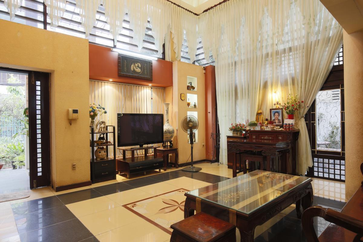 Nội thất phòng khách Nhà 3,5 tầng hẻm Phan Xích Long Phú Nhuận
