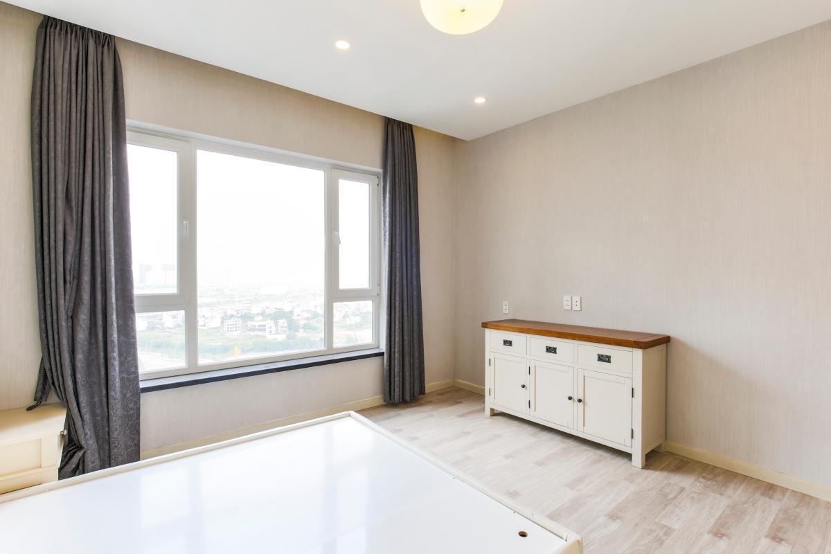 Phòng ngủ view sông thoáng mát Căn góc tầng cao Tower 3 Brilliant